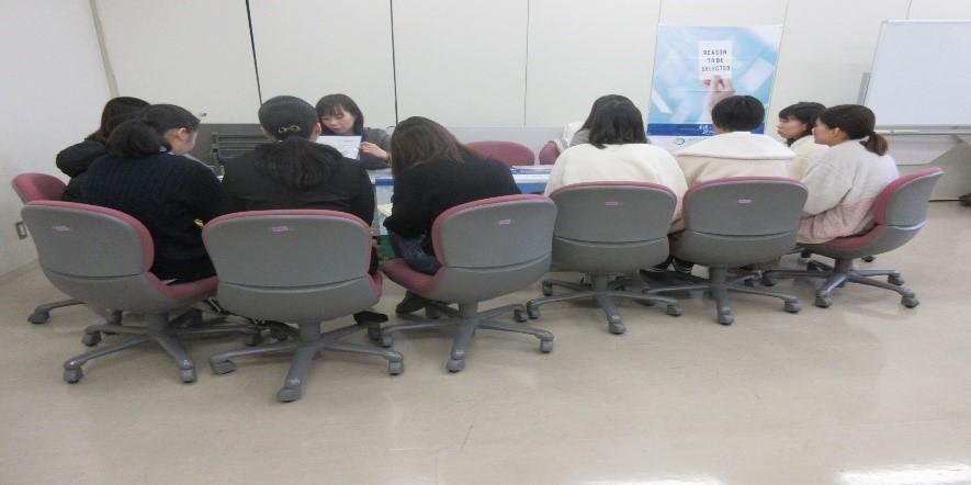 就職説明会・進学ガイダンス合同会が行われました